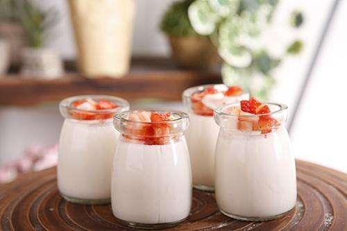 喝曲仙减肥期间能喝酸奶吗?喝哪种酸奶帮助减肥?